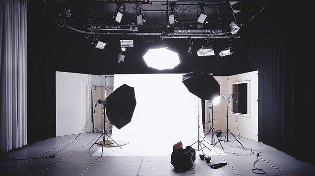 YouTubeの照明と照明の当て方の基本
